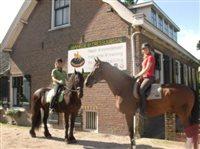 Open Dag Manege Hallinckveld in Loosdrecht, Noord-Holland