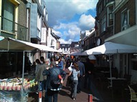 Huissense Boekenmarkt in Huissen-stad, Gelderland