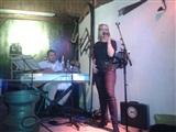 No String Attached in de Pub van Grand Cafe Z'lare