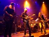 Rockband Mamilla geeft driedubbel feestje in De Sp