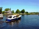 Vaartocht Friese meren met klassieke motorboot