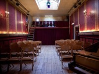 De Roode Bioscoop in Amsterdam, Noord-Holland