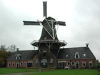Molen Woldzigt en Nederlands Graanmuseum in Roderwolde, Drenthe